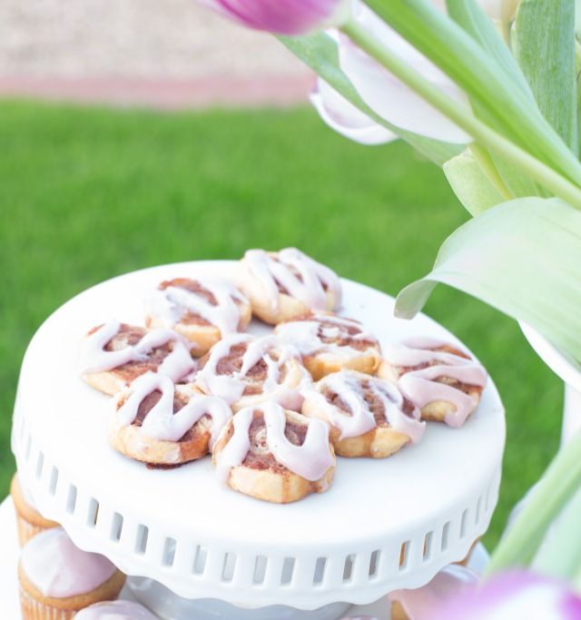 Mini Puff Pastry Cinnamon Rolls with Blackberry Icing | Easter Brunch Recipes via ApplestoZiti.com
