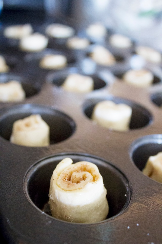 Shortcut Mini Cinnamon Rolls with Coffee Glaze | ApplestoZiti.com