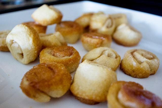 Shortcut Mini Cinnamon Rolls with Coffee Glaze | ApplestoZiti.com