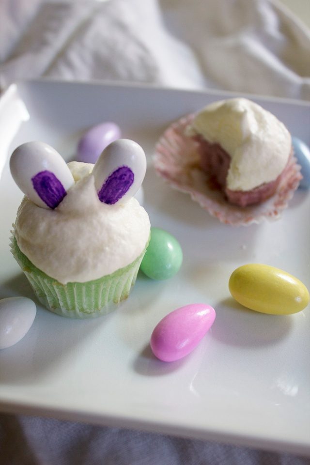 Pastel Mini Cupcakes with Bunny Ears for Easter   ApplestoZiti.com