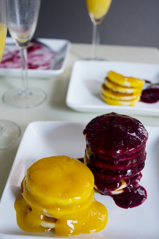 Petite Pancakes with Mixed Berry & Mango Toppings | ApplestoZiti.com